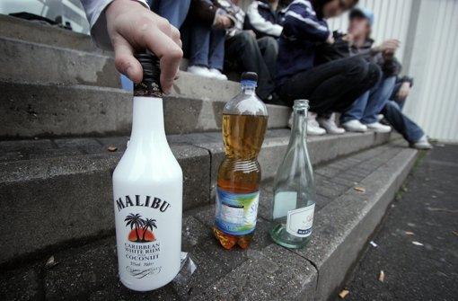 Jugend und Alkohol – oft mündet diese Mischung in Gewalt Foto: dpa