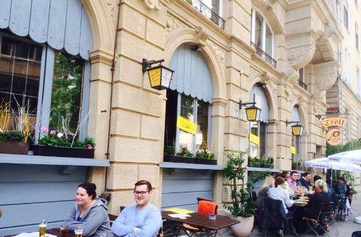 Das Wirtshaus Troll lockt die Fans mit leckeren Burgern und kühlen Getränken in die Hasenbergstraße. Foto: Facebook / Wirtshaus Troll