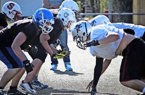 In den Faschingsferien können Jugendliche auf  dem Gelände des SV Sillenbuch  American Football trainieren. Foto: Sonja Reith