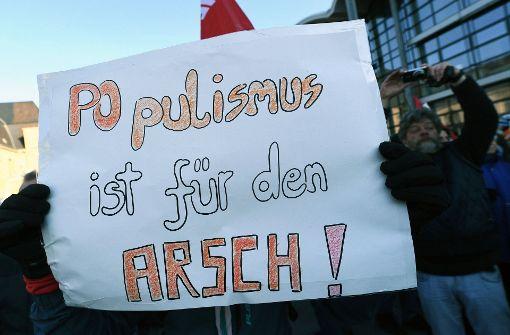 Widerstand auf der Straße: Mit drastischen Worten wurde im Januar in Koblenz gegen eine Tagung europäischer Rechtspopulisten demonstriert. Foto: dpa
