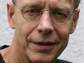 Dieter Rucht ist promovierter Soziologe.