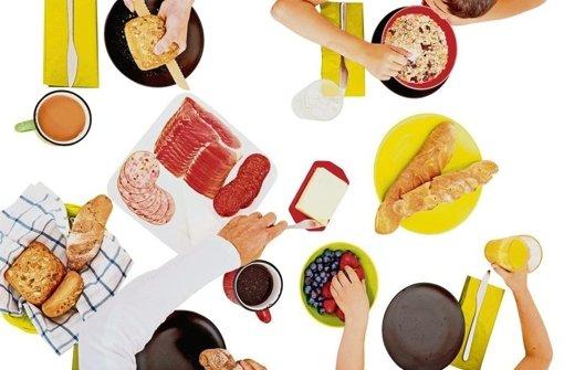 Untersuchungen belegen das: Mahlzeiten mit Mama und Papa fördern das körperliche und seelische Wohl ihres Nachwuchses. Foto: