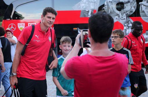 Mario Gomez ist aus dem WM-Urlaub zurück und... Foto: Pressefoto Baumann