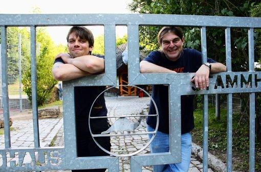 Zwei, die sich gut verstehen: Chris Sluiter und der langjährige Jugendhausleiter Michael Klamm (r.). Foto: Chris Lederer
