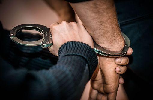 Zwei der drei Jugendlichen sitzen nach ihrer Festnahme bereits in Justizvollzugsanstalten. Foto: Phillip Weingand / STZN